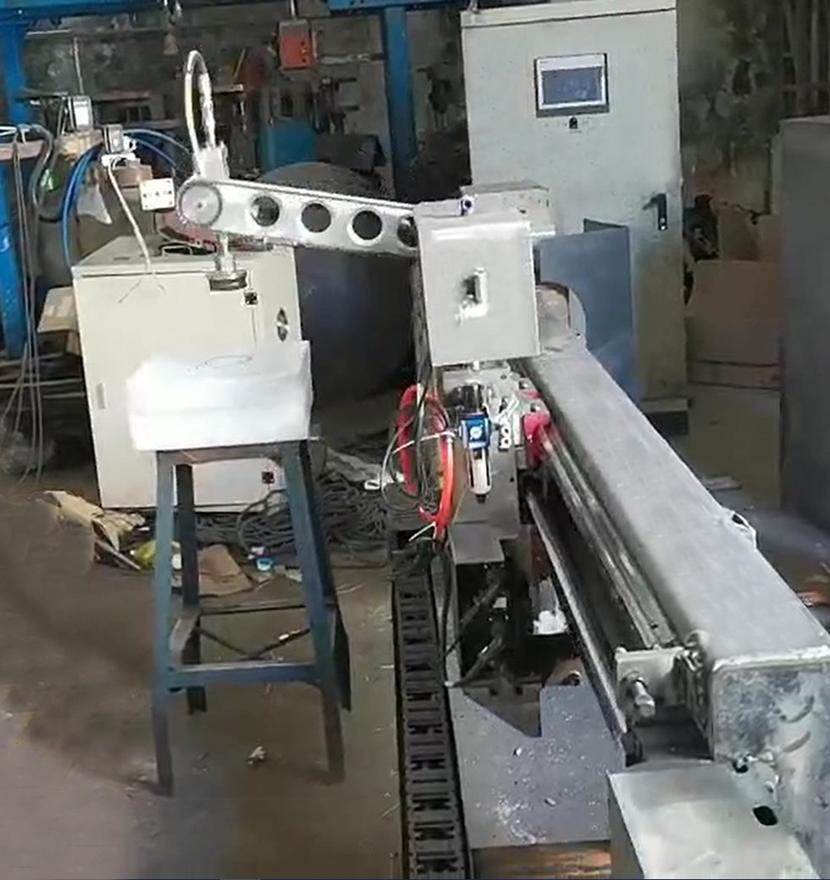 淬火工艺的玻璃产品翻转搬运机械手控制系统方案
